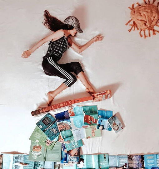 sara-ciafardoni-bookstagrammer